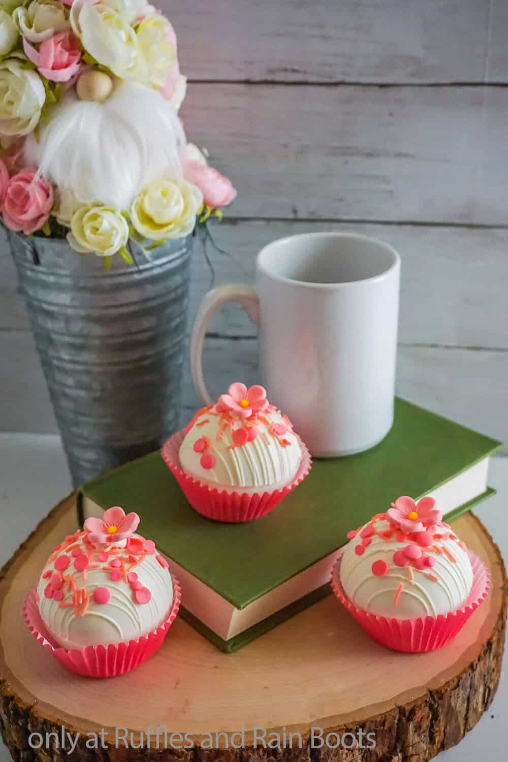 flower hot cocoa bombs for mother's day gift