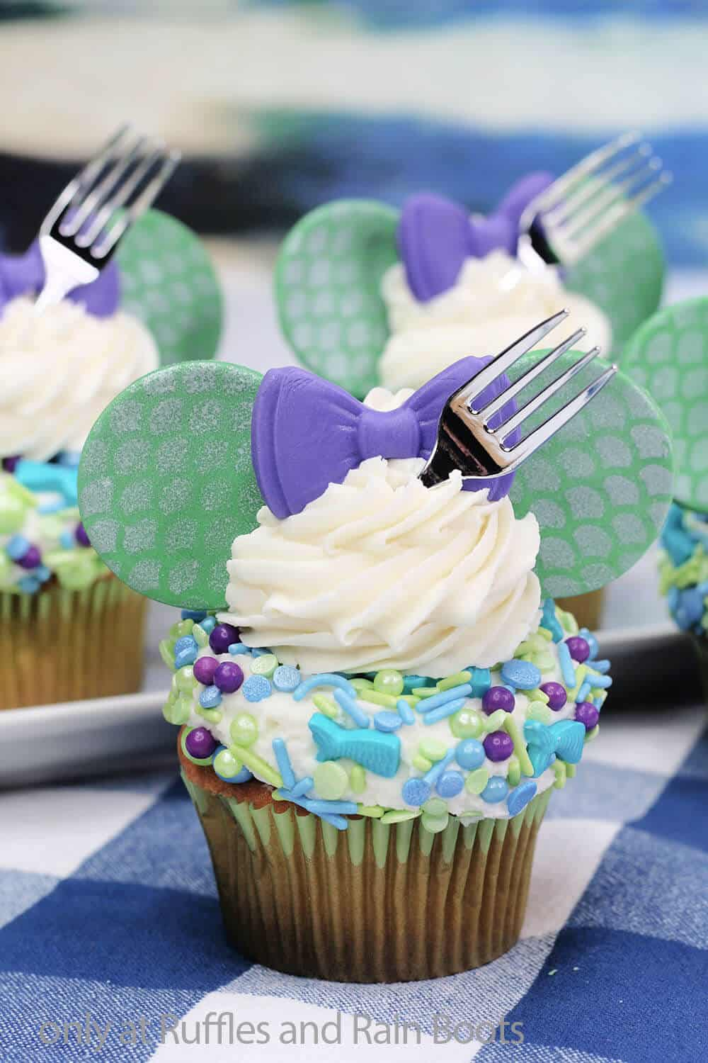 mickey mouse cupcakes for ariel of little mermaid