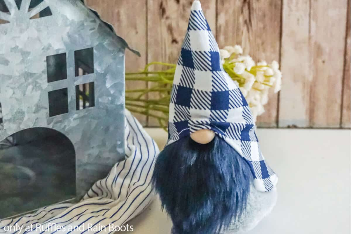 easy sewing pattern for farmhouse gnome