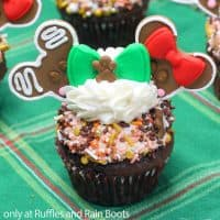 mickey and minnie gingerbread cupcakes for christmas