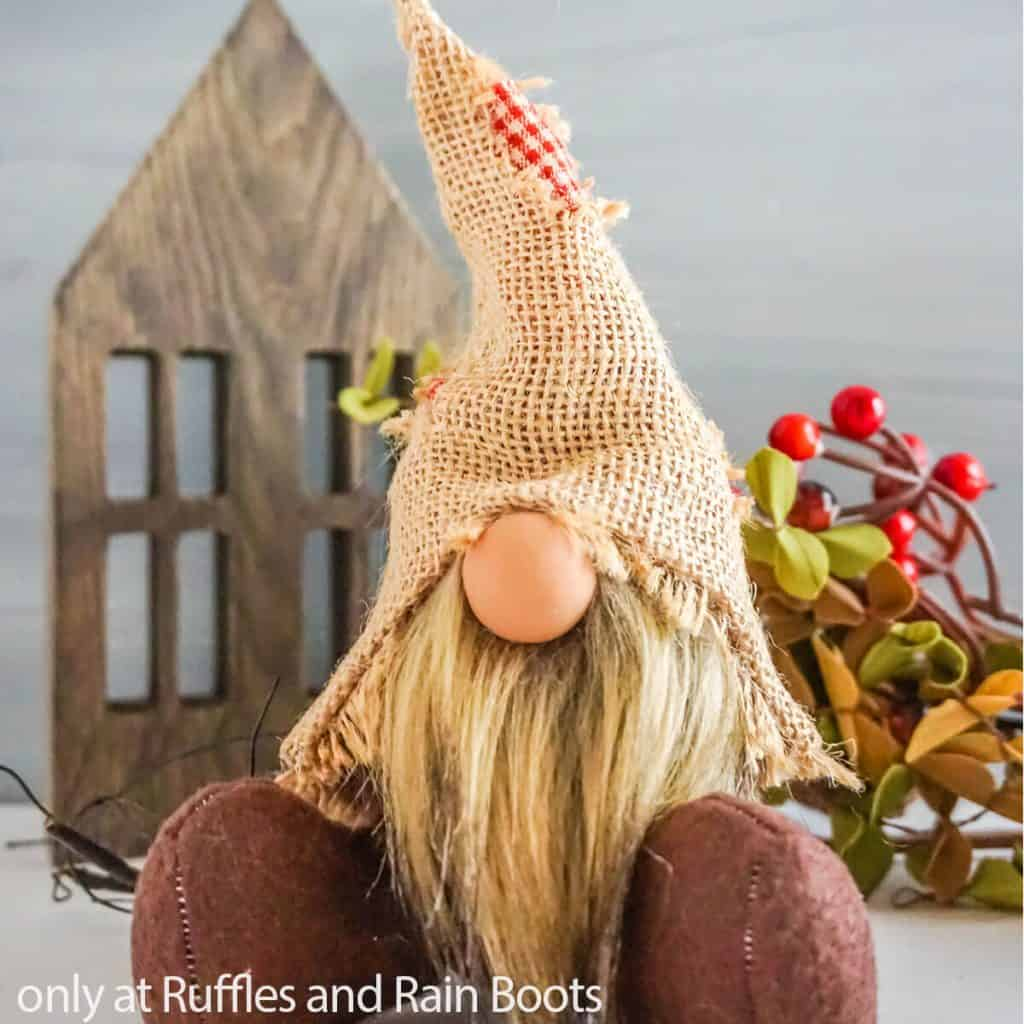 scarecrow gnome pattern for fall