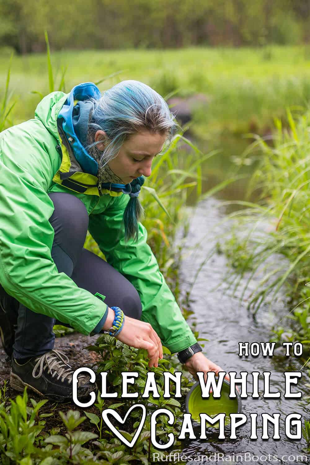 easy hack to wash dishes while camping with text which reads how to clean while camping