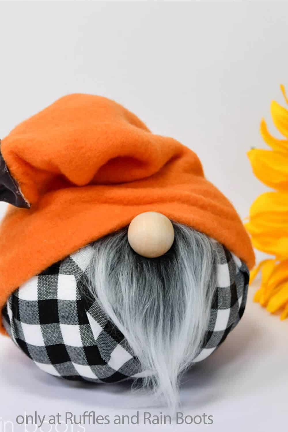 hat pattern for a gnome with pumpkin body