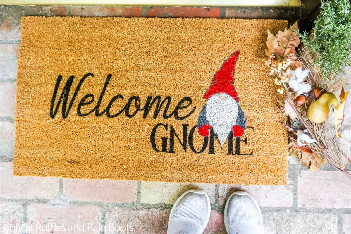 diy door mat craft with a gnome on it