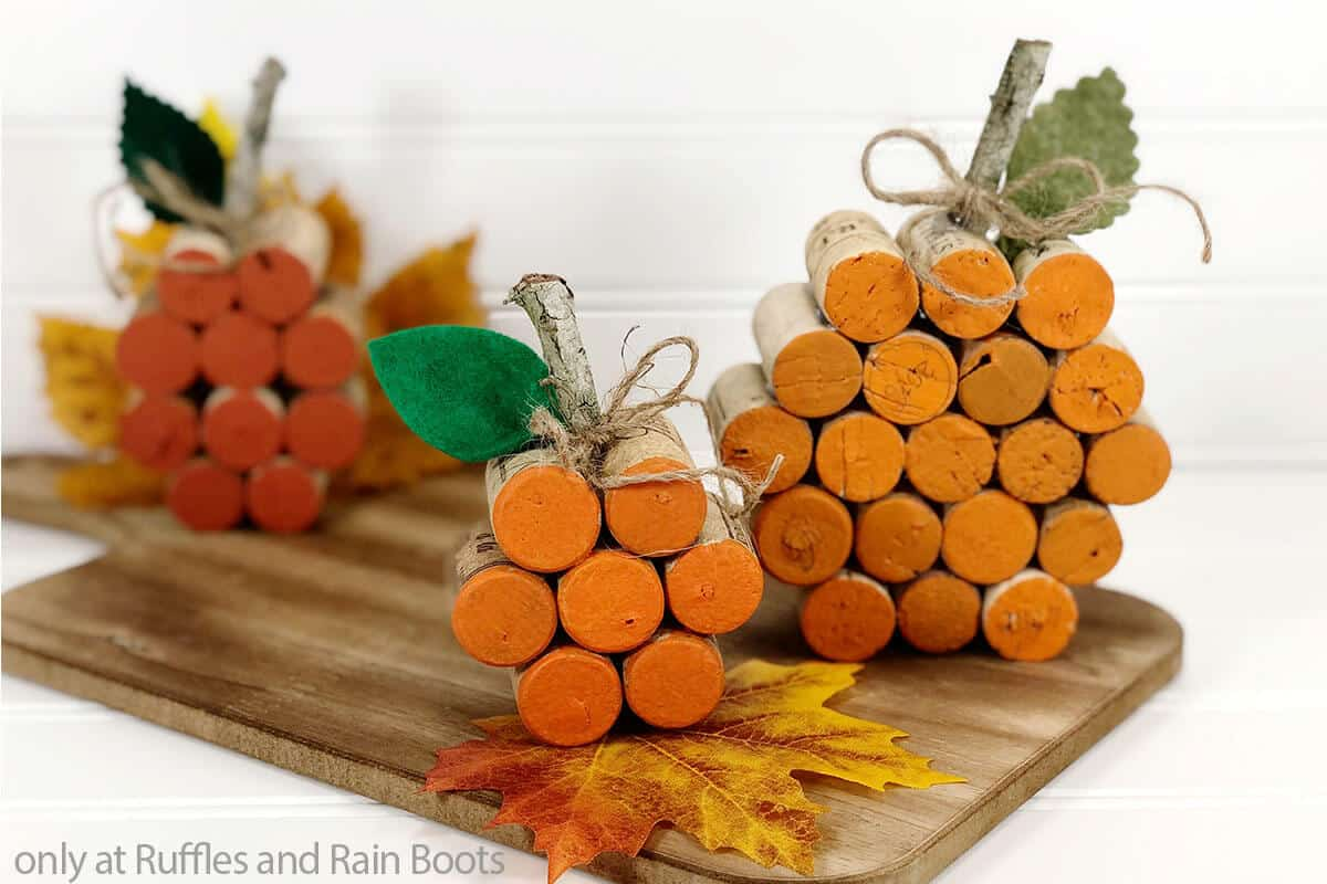 diy upcycled pumpkin from wine corks